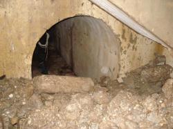 Bas escalier B1,amorce galerie;-38mètres;debris blocs